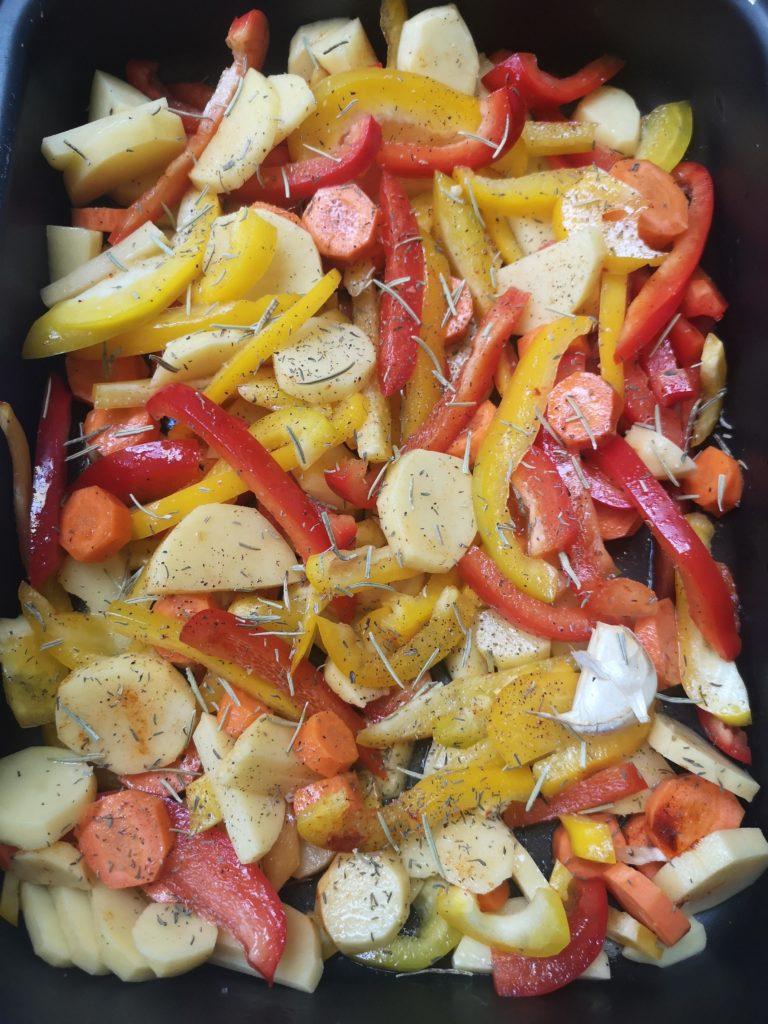pomme de terre au four et légumes